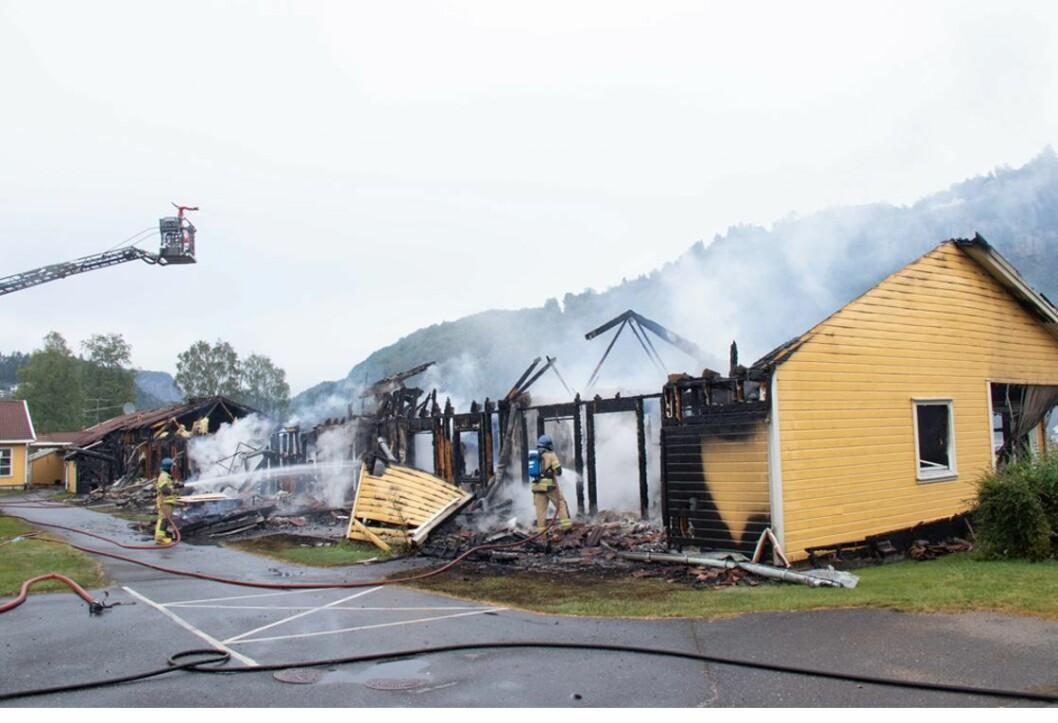 Kvinesdal juli 2019. Syv kommunale leiligheter gikk tapt i brannen (foto: Thor Kr. Adolfsen).