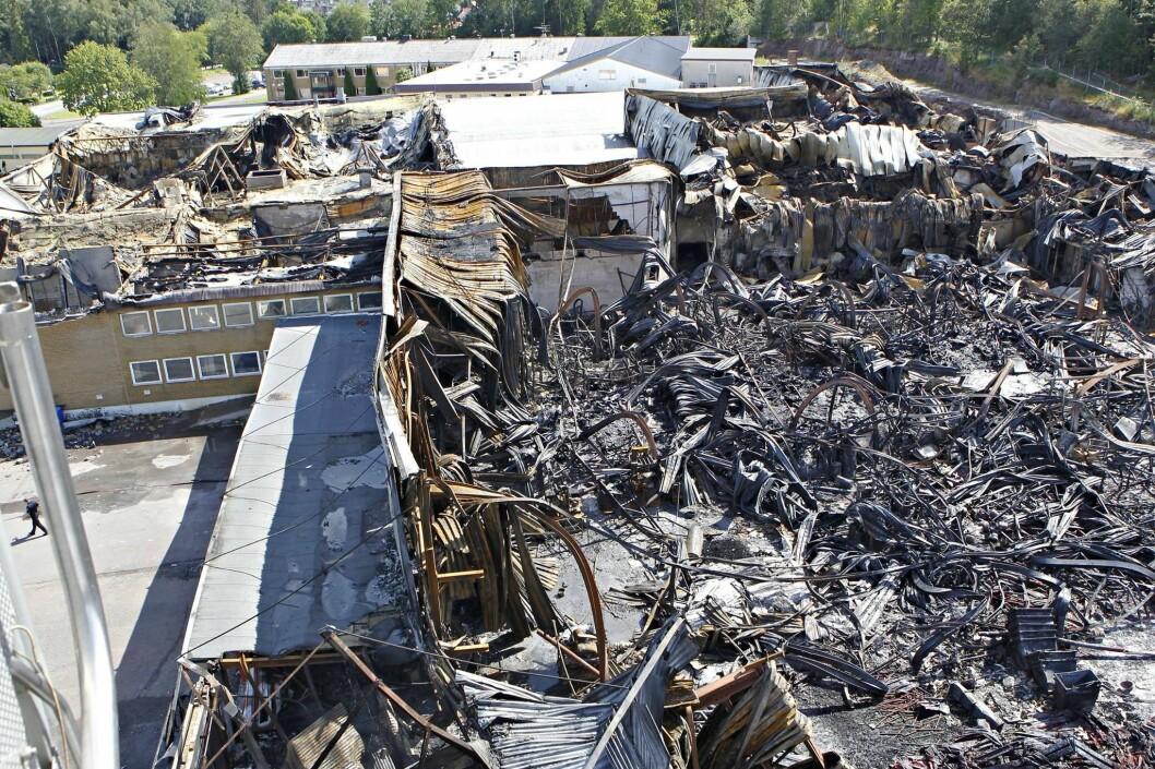 Store skader etter brannen i BASA-huset i juli 2015 (foto: Vestfold Interkommunale Brannvesen).