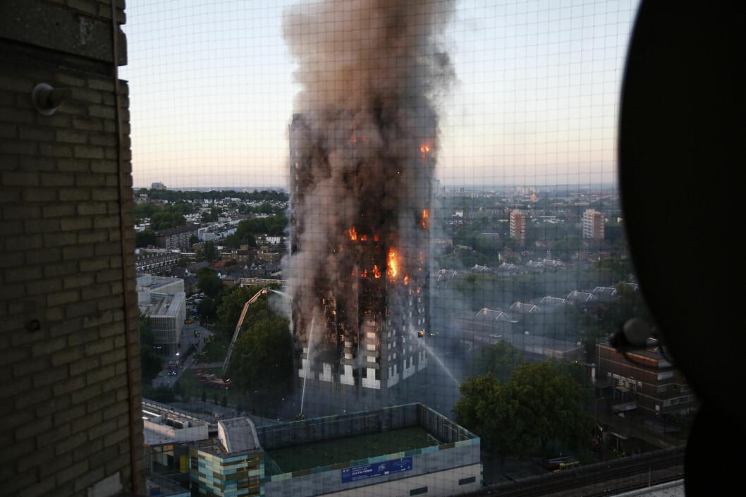 72 mennesker omkom i brannen 14. juni 2017 (foto: swins.com/Henry Nicholls/NTB Scanpix).