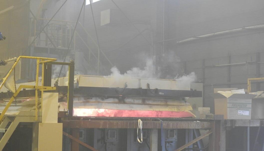 Bjelkelaget ble lagt horisontalt (foto: RISE Fire Research).