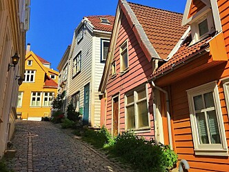 Utdeling av gratis branndeteksjon og komfyrvakt i trehusbebyggelsen i Bergen