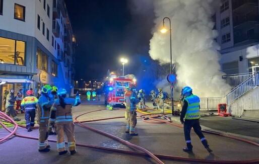 Kongsberg: Kartlegger fortsatt skadeomfanget på bygningen etter kjellerbrannen