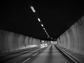 ESA presser på for oppgradering av sikkerheten i tunnelene - Vegvesenet sier mye vil være gjort i løpet av 2021