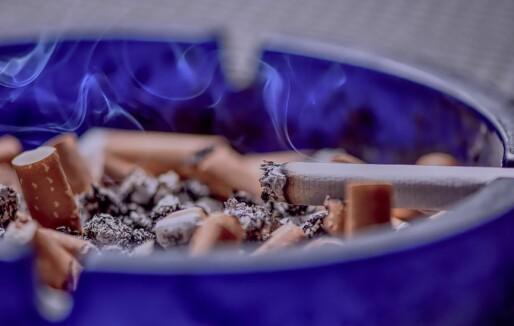 Hvor mange dødsbranner skyldes røyking?