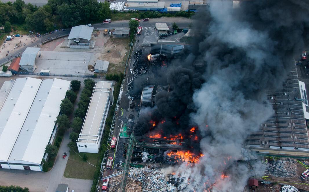 Kraftig røykutvikling ved brann i gjenvinningsanlegg kan være skadelig og livstruende, både for mennesker og miljøet rundt.