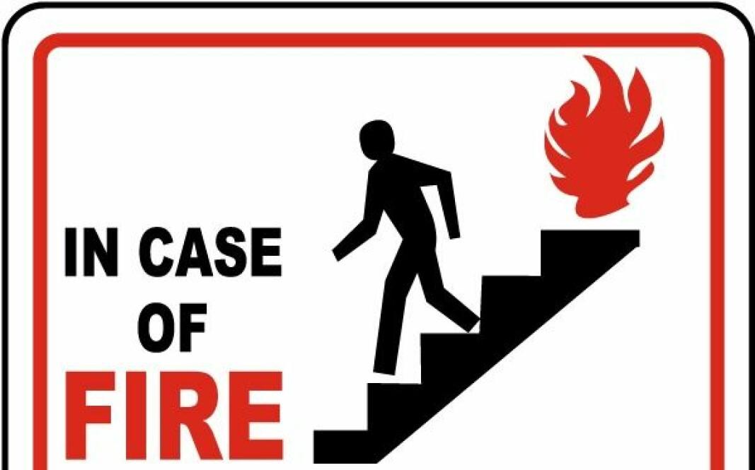 Bruk ikke heisen i tilfelle brann.