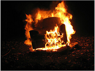 Brannhemmende midler i møbler - en trussel eller en nødvendighet?