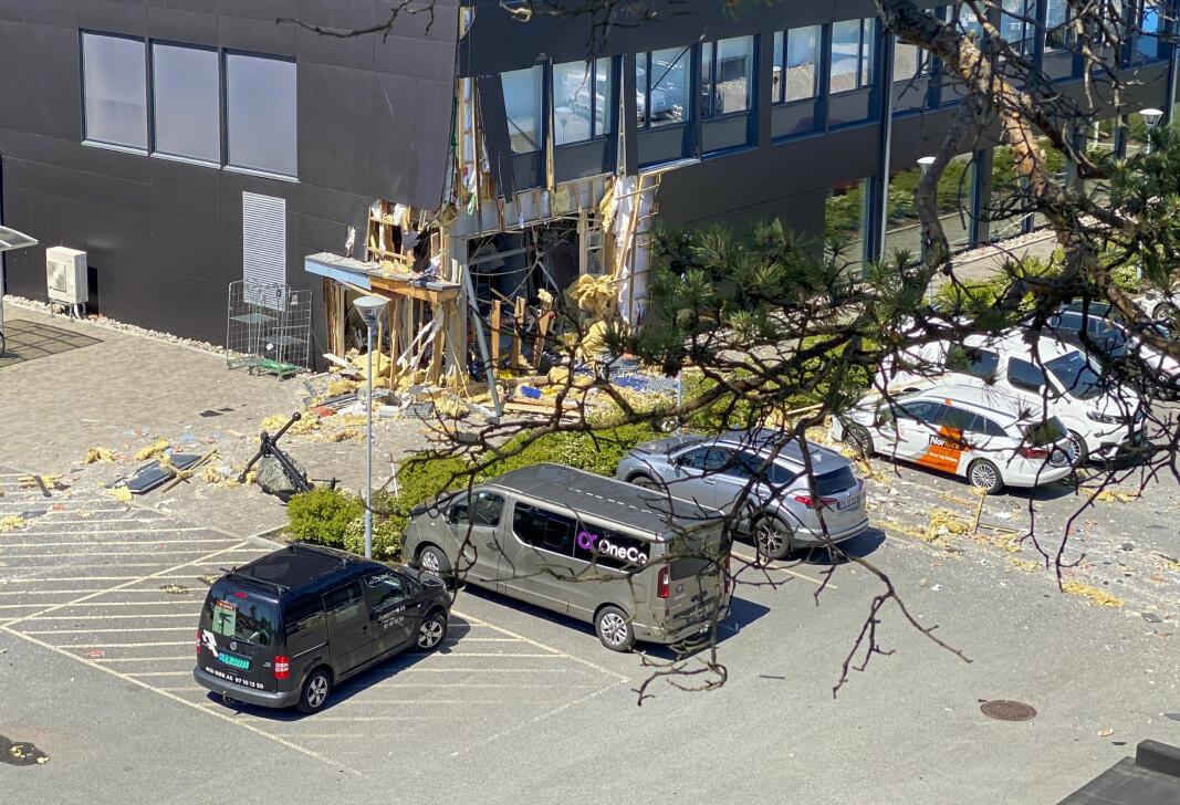 En person ble skadd etter eksplosjonen i sprinkleranlegget i en bygning i Andøyfaret i Kristiansand i juni i fjor.