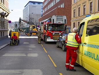 Nødetatene i arbeid under en brann på Ruseløkka skole i Oslo.