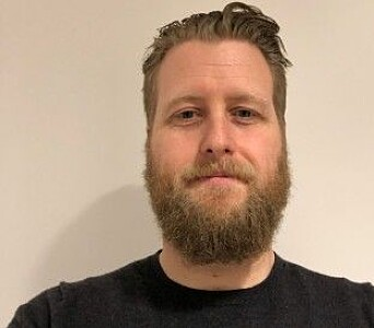 """Morten Iversen Berland mener at innholdet i artikkelen """"Håndsprit er brannfarlig"""", ikke er nyansert nok."""