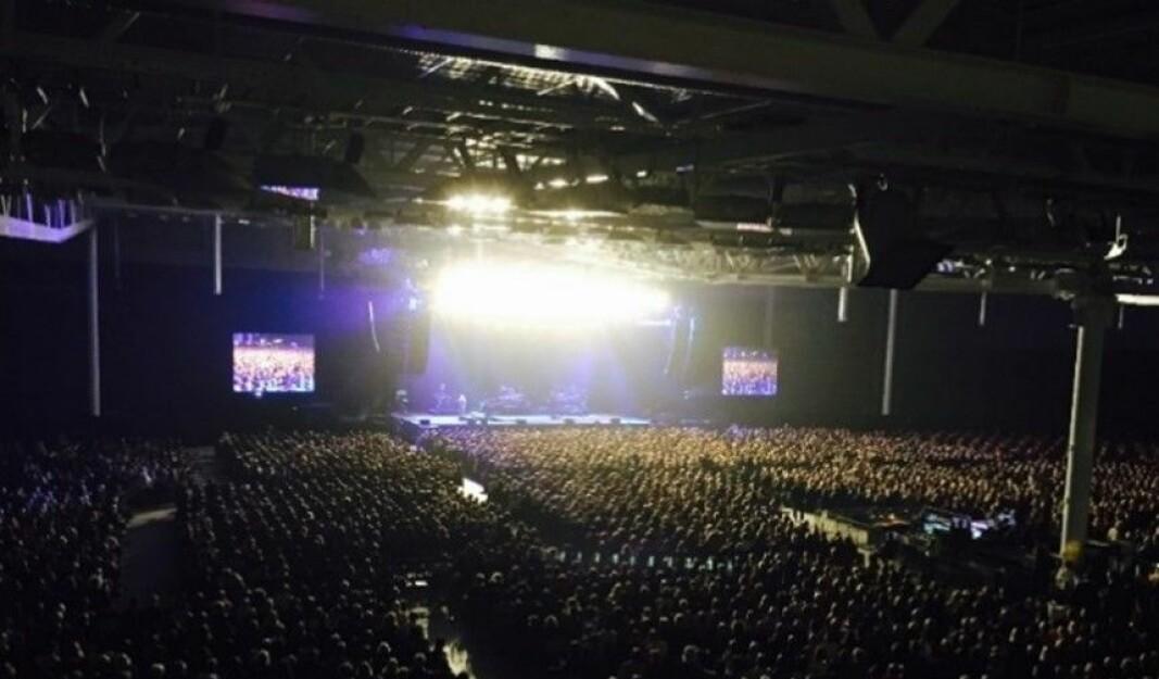 Oversiktsbilde fra en konsert med Elton John i Sørmarka Arena.