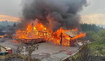Brannen på Sotra: kraftig vind gjorde at brannen
