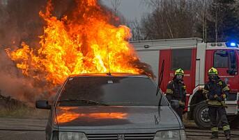 Bygningskollaps og 200 biler i brann i svensk garasjeanlegg