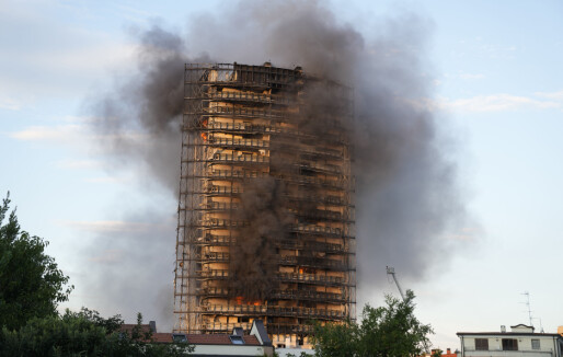 Blokkbrannen i Milano sammenlignes med tragedien i Grenfell Tower