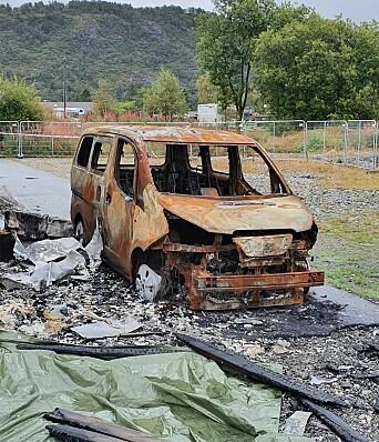 Brannen var så kraftig at biler som sto i nærheten gikk med i dragsuget.
