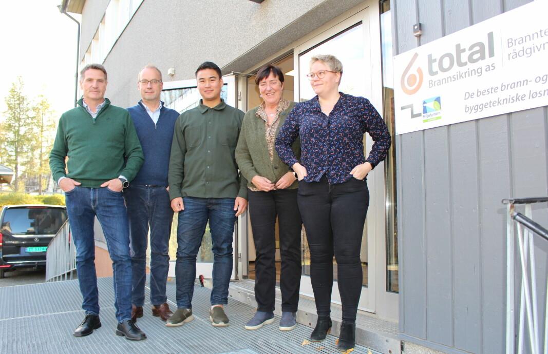 Fra venstre Bengt Slettli, Morten Ameln, David Tran, Målfrid Nøstbakken og Maiken Larsen.